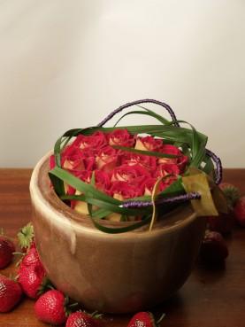 Πύλινη βάση με τριαντάφυλλα