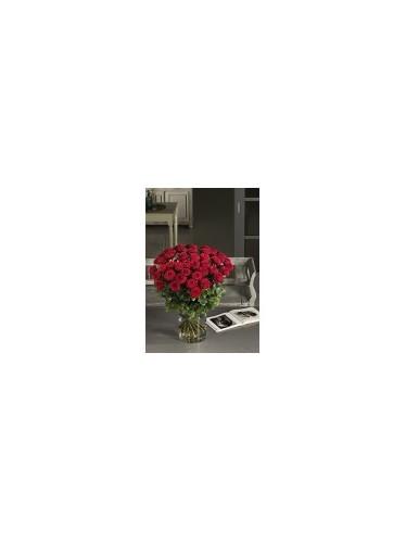 Μπουκέτο με Κόκκινα Τριαντάφυλλα σε βάζο